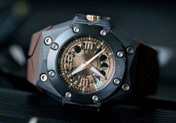 Presenting The New Linde Werdelin Oktopus Carbon Moon Replica