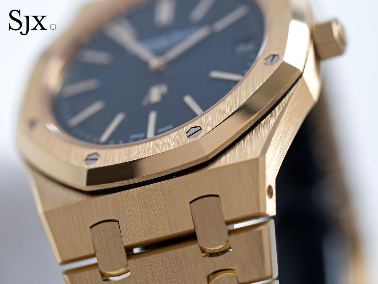 AP Royal Oak Extra Thin yellow gold blue 3